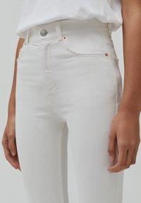 PULL&BEAR - Slim fit jeans - white - 3