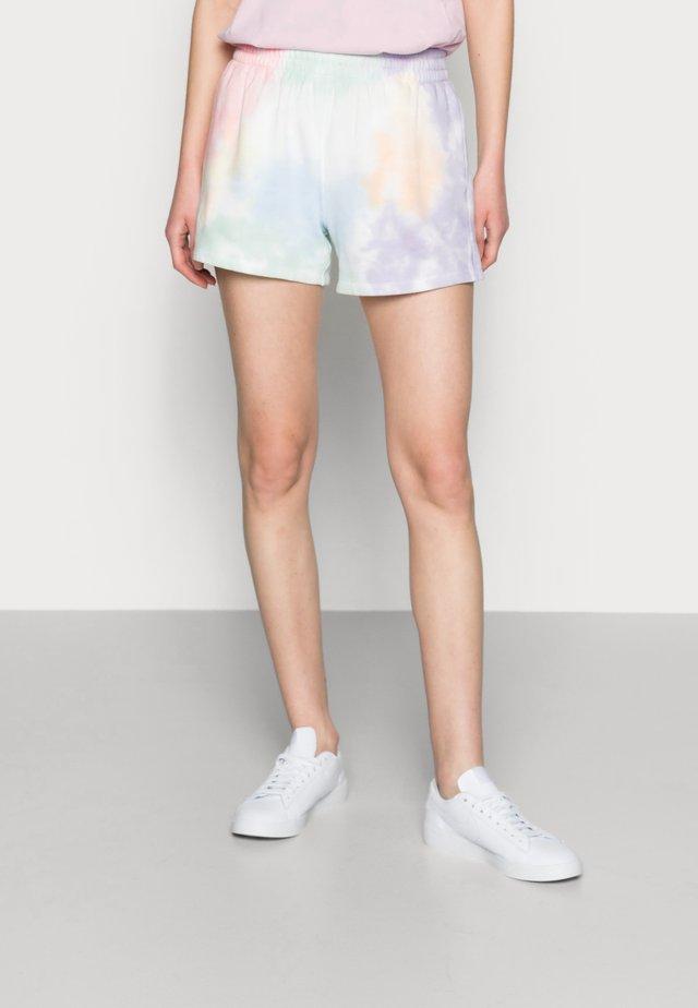PRIDE SHORT - Szorty - light tie dye