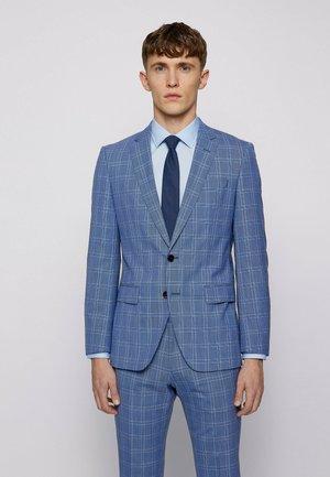 HUGE6/GENIUS5 - Suit - open blue