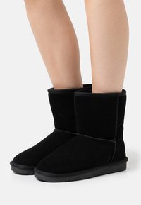 Esprit - LUNA BOOT - Classic ankle boots - black - 0