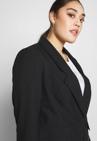 Simply Be - ESSENTIAL FASHION NEW CROPPED STYLE COLLAR - Blazer - black - 3