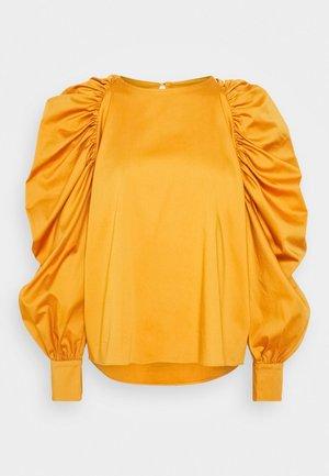 Blouse - thick orange