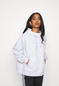 adidas Originals - HOODIE  - Sweatshirt - light grey heather - 0