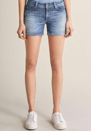 PUSH UP - Denim shorts - blau
