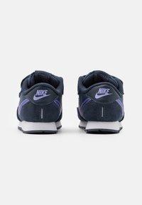 Nike Sportswear - MD VALIANT UNISEX - Sneakers laag - thunder blue/purple pulse/white - 2