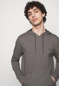 Michael Kors - LONG SLEEVE HOODIE - Sweatshirt - black - 3