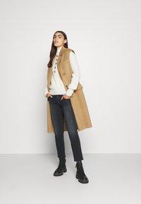 CLOSED - PEDAL QUEEN - Straight leg jeans - dark grey - 1