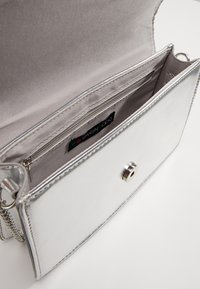 Even&Odd - Clutch - silver - 4