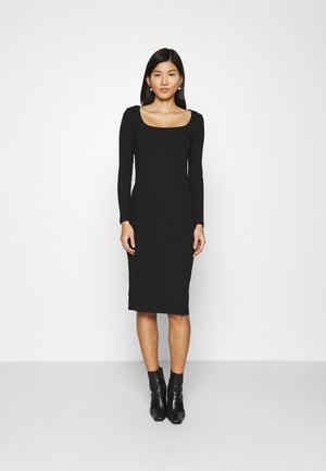 SQUARENECK DRESS - Strikket kjole - true black