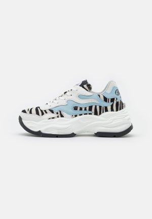 EYZA - Sneakers laag - black/white