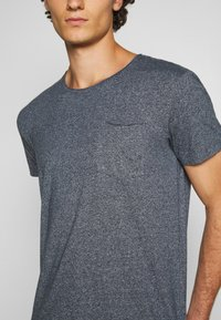 edc by Esprit - GRIND - T-shirt basic - navy - 5