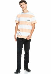 Quiksilver - Print T-shirt - apricot full charge - 1