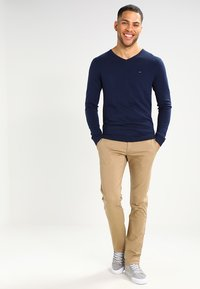 Tommy Jeans - SLIM FERRY - Chino - beige - 1