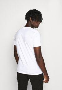 Topman - SUNSET TEE - Print T-shirt - white - 2