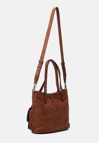 Tamaris - BERNADETTE  - Shopping Bag - cognac - 1