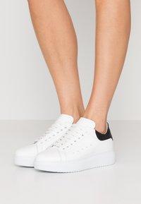 Noclaim - GALA - Sneakers laag - bianco/glass nero - 0