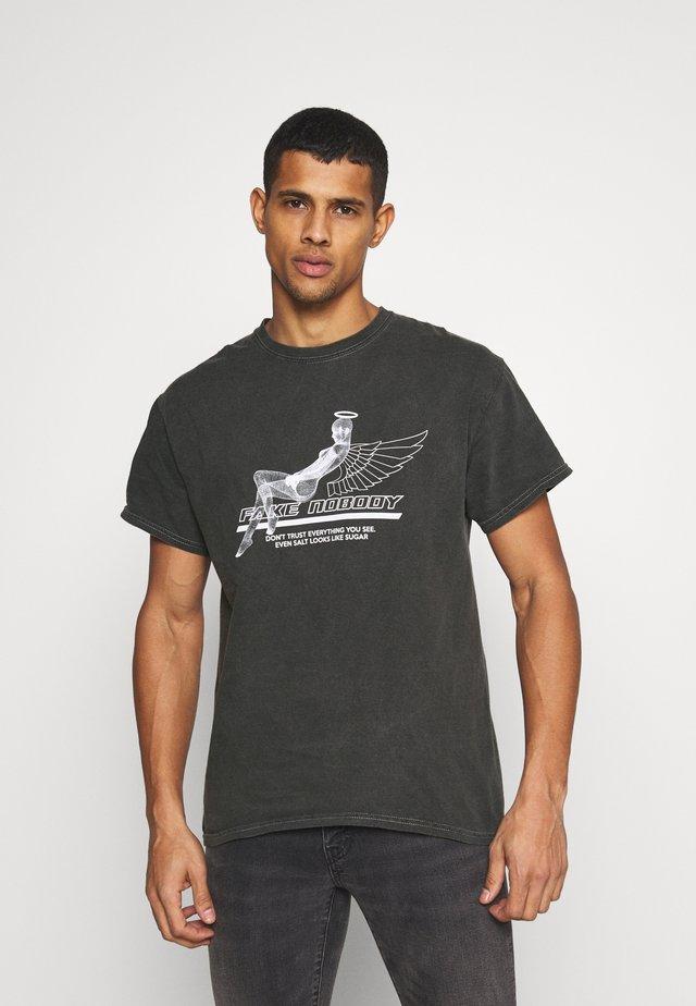 T-shirts print - black acid wash
