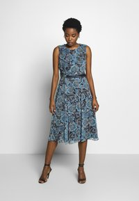 Betty & Co - Day dress - blue-light blue - 0