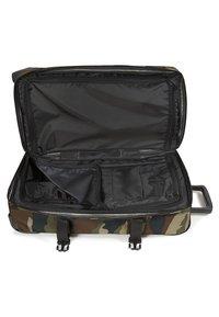 Eastpak - TRANVERZ M CORE COLORS  - Wheeled suitcase - camo - 6