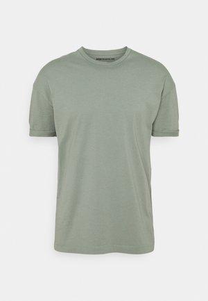 THILO - Jednoduché triko - grün