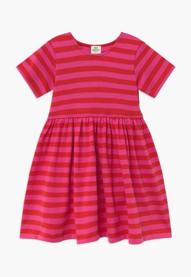 Mads Nørgaard - BRETAGNE DAISIA - Pletené šaty - pink /red