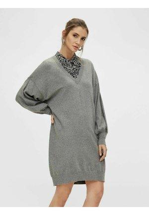 STRICKKLEID  - Robe pull - medium grey melange