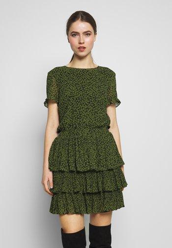 MINI TIER DRESS - Vapaa-ajan mekko - black/evergreen
