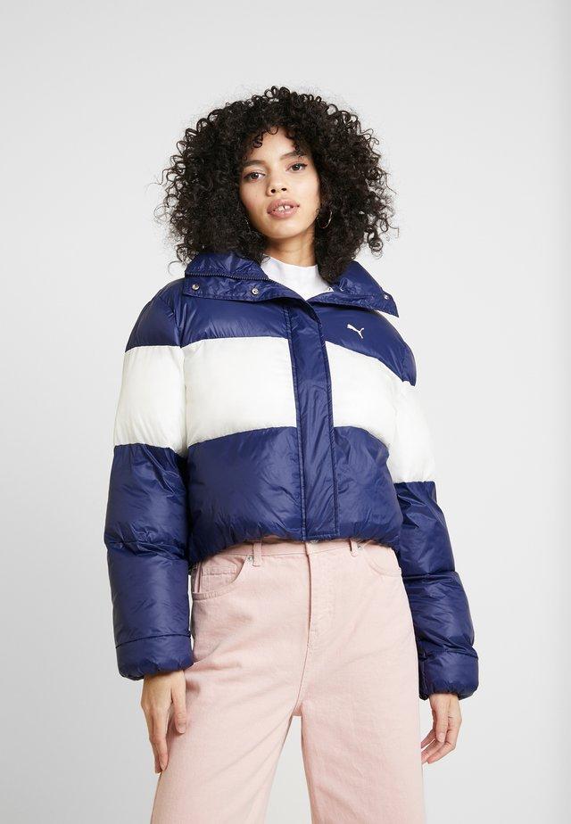 PUMA X SELENA GOMEZ CROP PUFFER - Winter jacket - peacoat