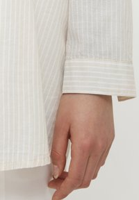 b.young - BYFIE STRIPE - Button-down blouse - oyster mix - 4