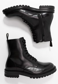 Steve Madden - KOMMBAT - Lace-up ankle boots - black - 1