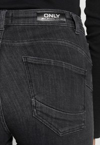 ONLY - ONLPOWER MID PUSH UP - Jeans Skinny - medium grey denim - 4