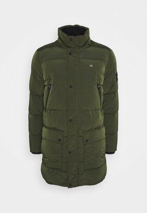 CRINKLE LONG LENGTH JACKET - Winter coat - green