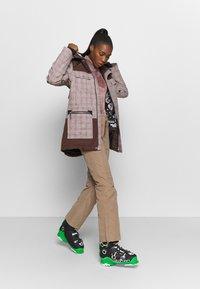 Rojo - AIDEN JACKET - Snowboard jacket - misty rose - 1