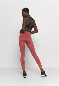 Nike Performance - ONE GOOD - Tights - claystone red/gold - 2