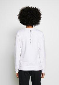 EA7 Emporio Armani - Sweatshirt - white/black - 2