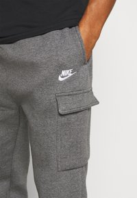 Nike Sportswear - CLUB PANT - Cargo trousers - charcoal heather/anthracite/white - 4