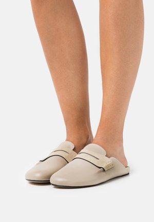 ANSLEY LOAFER - Ciabattine - paloma beige