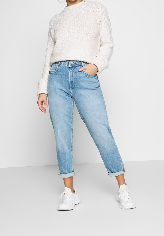 MR GIRLFRIEND - Jeansy Relaxed Fit - blue light wash