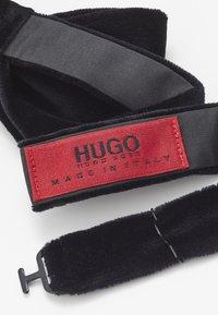 HUGO - BOW TIE BIG VELVET - Butterfly - black - 2