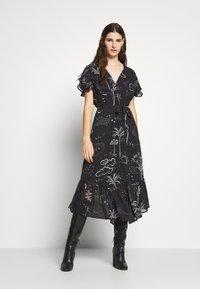 Lily & Lionel - DREW DRESS - Denní šaty - mystic palm - 1