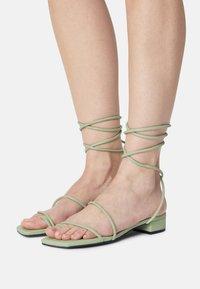 Monki - T-bar sandals - green dusty light - 0