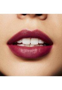 MAC - POWDER KISS LIQUID LIPCOLOUR - Liquid lipstick - got a callback - 4