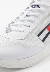 Tommy Jeans - FLEXI RUNNER - Joggesko - white - 2