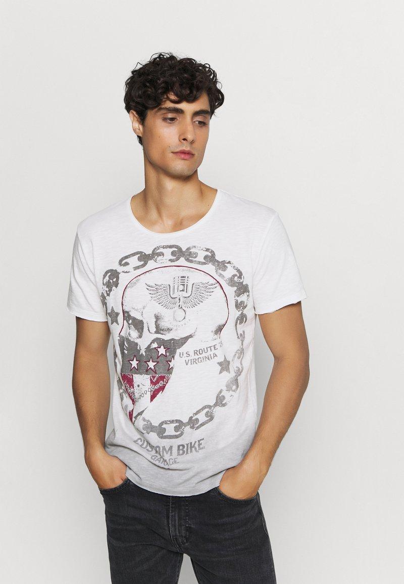 Key Largo - LUCKY ROUND - Print T-shirt - offwhite/anthrazit