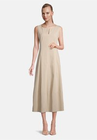 Vera Mont - Day dress - feather gray - 0