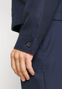 Isaac Dewhirst - HARRINGTON JACKET DRAWCORD TROUSERS SET - Summer jacket - dark blue - 11