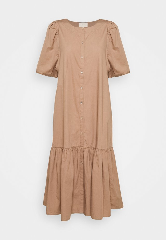 VIVIAN SS MIDI OVERSIZE DRESS - Shirt dress - brownie