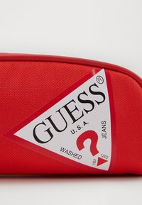 Guess - UNISEX SMALL POUCH - Pencil case - disco pink - 3