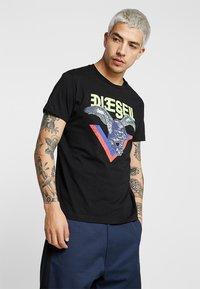 Diesel - DIEGO - Print T-shirt - black - 0