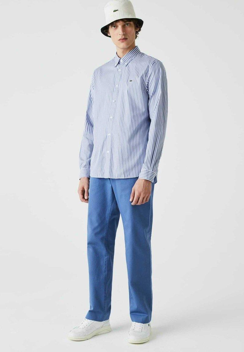 Lacoste - Shirt - blanc / bleu